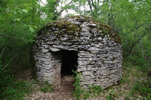 Une gariotte près du dolmen de la Bertrandoune