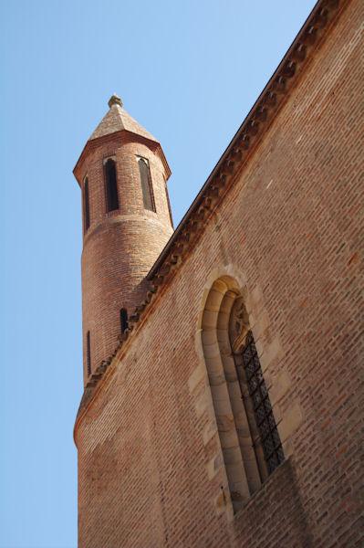 Un petit clocher de la Cathédrale Sainte Cécile à Albi