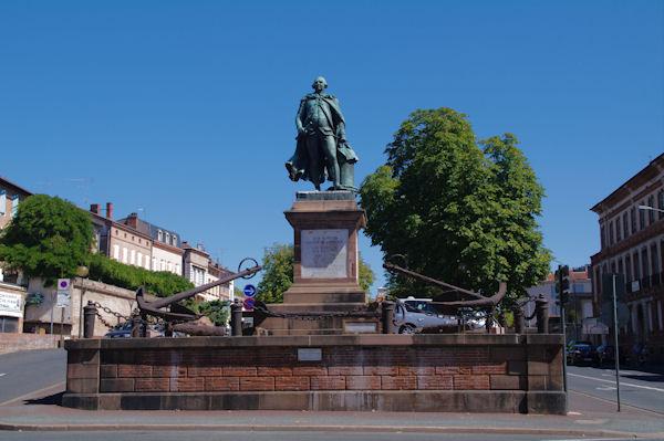 La Statue de Jean François de Galaup Laperouse, célèbre navigateur