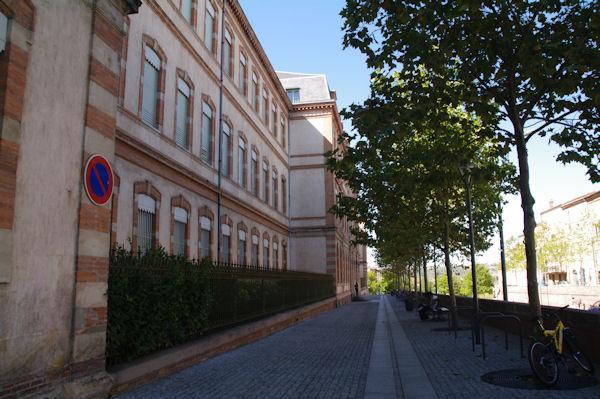 Le Lycée Laperouse rue Georges Pompidou à Albi