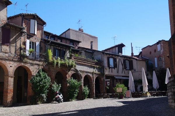 Place du Cloître Saint Salvy à Albi
