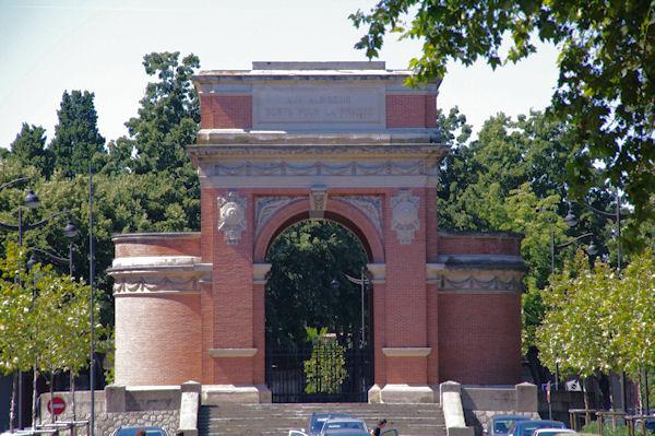 Le Monument aux Morts d_Albi