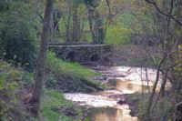 Vieux pont sur le ruisseau d'Aygue Belle