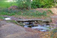 Petit pont sur le ruisseau du Sor