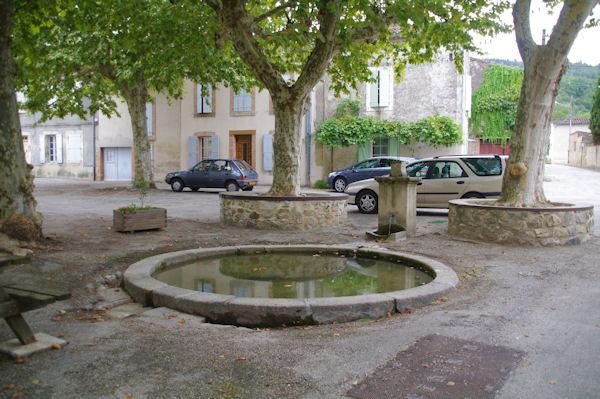 Une fontaine à St Amancet