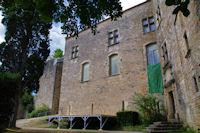 La cour du chateau de Bruniquel