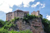 Le chateau de Bruniquel depuis l'Aveyron