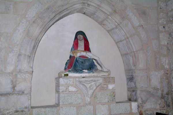 La Vierge de l_Assomption dans l_église de Castelnau de Montmirail