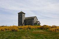 La Chapelle de St Ferreol au milieu des genets