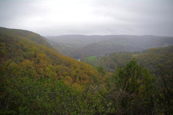 La vallée de l_Aveyron depuis le Pech Grignal