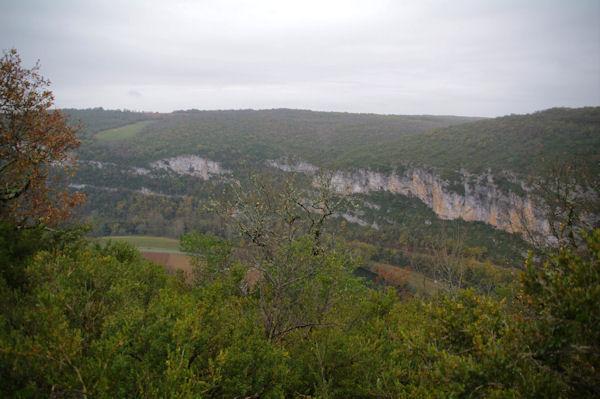 La vallée de l_Aveyron depuis le Pech des Panissous