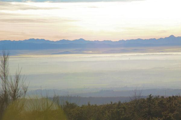 Les Pyrénées depuis la crête du vallon de Poutou