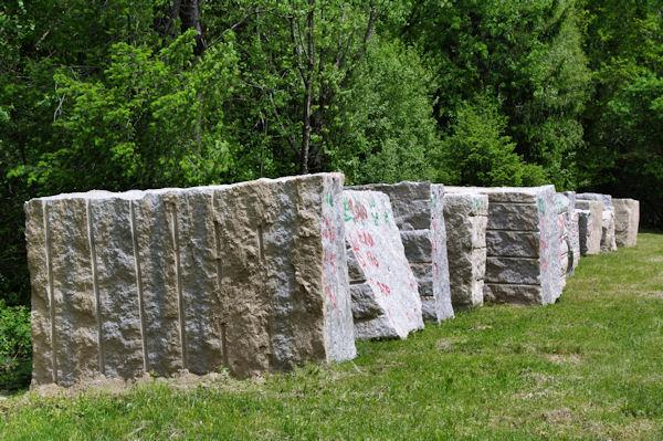 Des blocs de granit à Belherbette