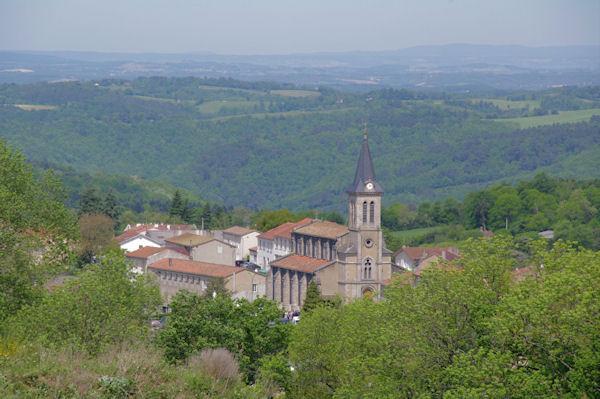 L_église de Lacrouzette depuis La Bouriatte