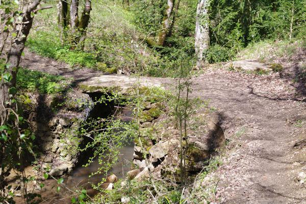 Le petit pont sur l_Audoulou