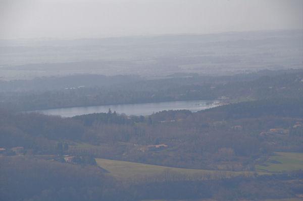 Le lac de St Ferréol depuis l_oppidum de Berniquaut
