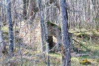Une ruine en descendant vers Cabanes