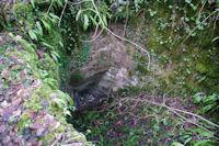Le canal d'arrivee de l'eau du ruisseau de Laussiere dans le moulin