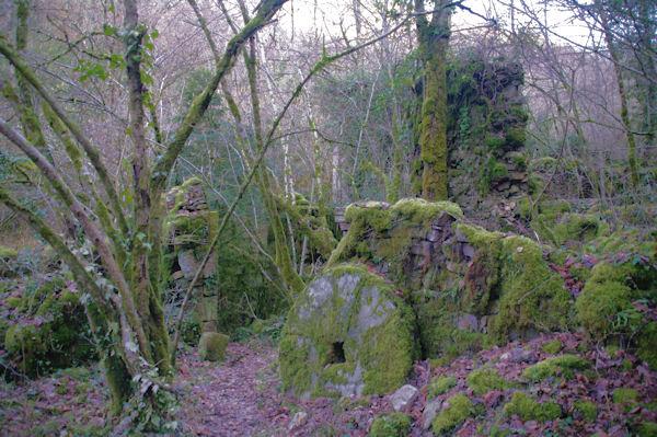 Un autre moulin en ruine dans la vallée de Laussière