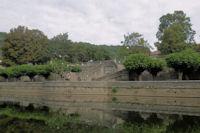 Les quais sur l'Aveyron a St Antonin Noble Val