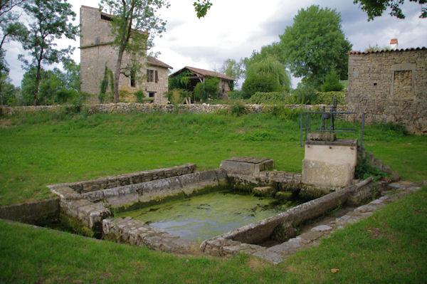 Le lavoir d_Aliguières