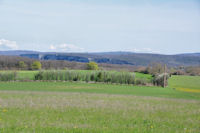 Au loin, la vallee de l'Aveyron