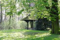 Un abri dans le Bois de la Deûle