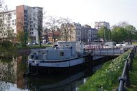 Les peniches a quai sur le canal de la Deûle
