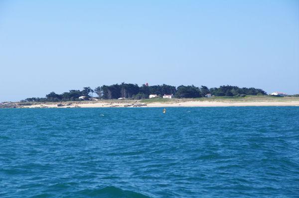 La Plage de la Grande Conche vers la Pointe des Corbeaux sur l_Ile d_Yeu