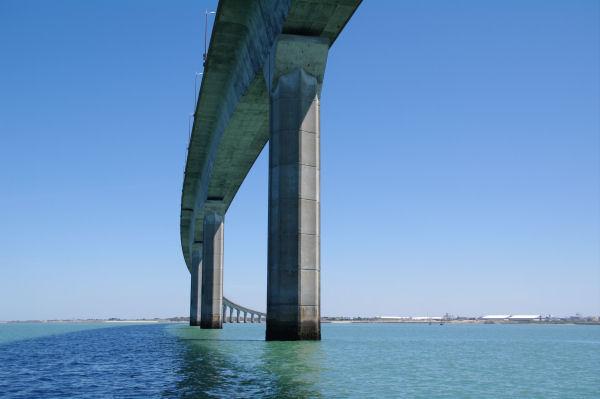 Le Pont de l_Ile de Ré, passé!