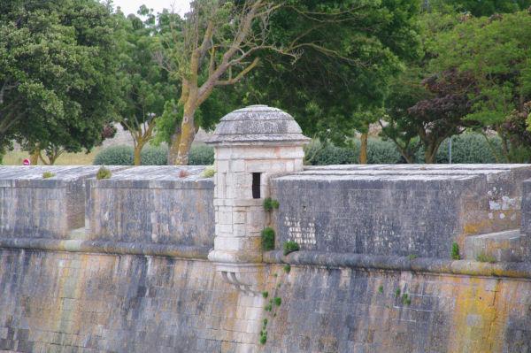 Une tourelle sur les remparts de St Martin de Ré