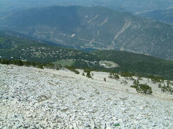 La Station du Mont Serein depuis les flancs du Mont Ventoux