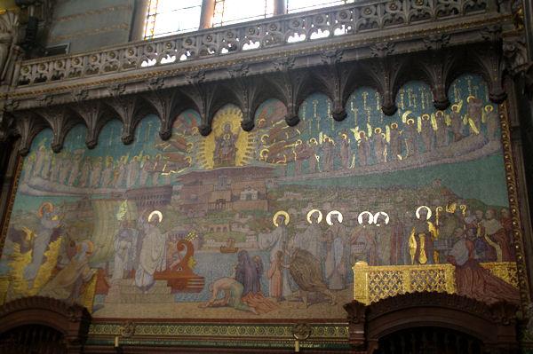 Saint Pothin arrive à Lyon