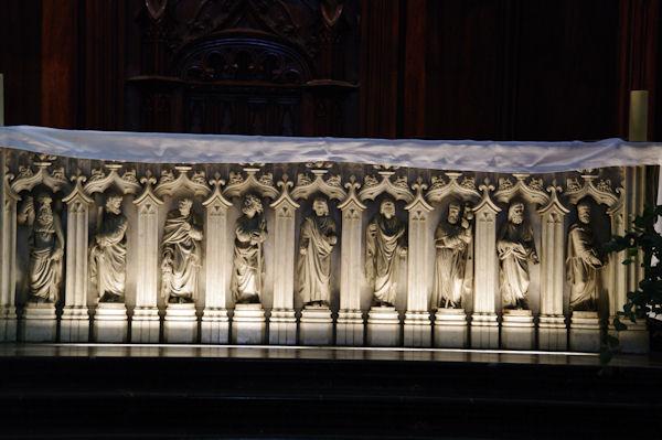 L_autel de l_Eglise catholique Saint Nizier