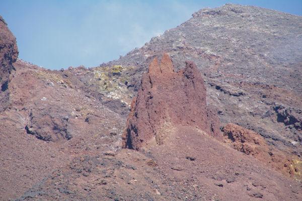 Accumulations de lave de la dernière eruption de l_Etna