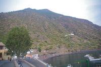 Le port de Rinella domine par le Monte Fossa delle Felci