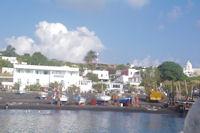La plage de Pizzillo a Stromboli
