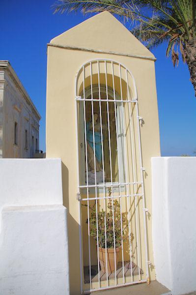 Une vierge dans la Strada Communlale Porto Levante Piano Gelso