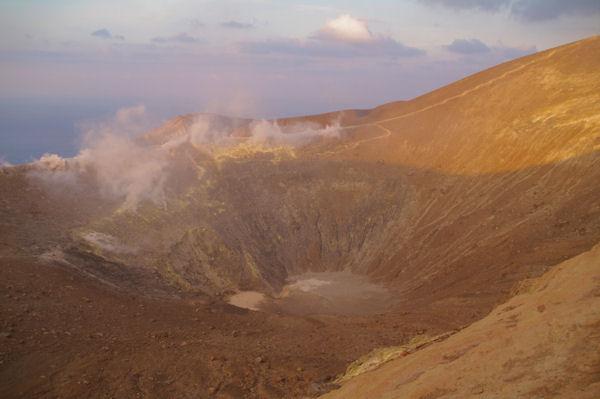 Le fond du cratère du Vulcano