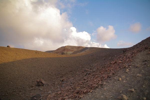 Le cratère du Vulcano est en vue